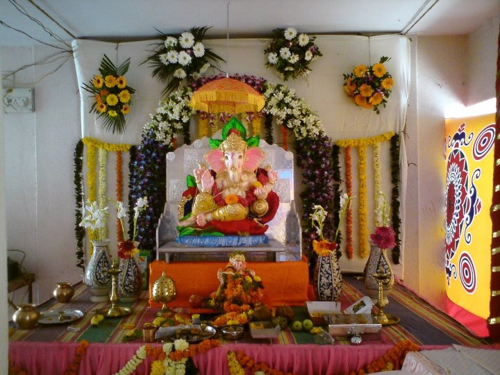 Bhagwan ji help me ganpati decoration ideas ganesh for Background decoration for ganpati