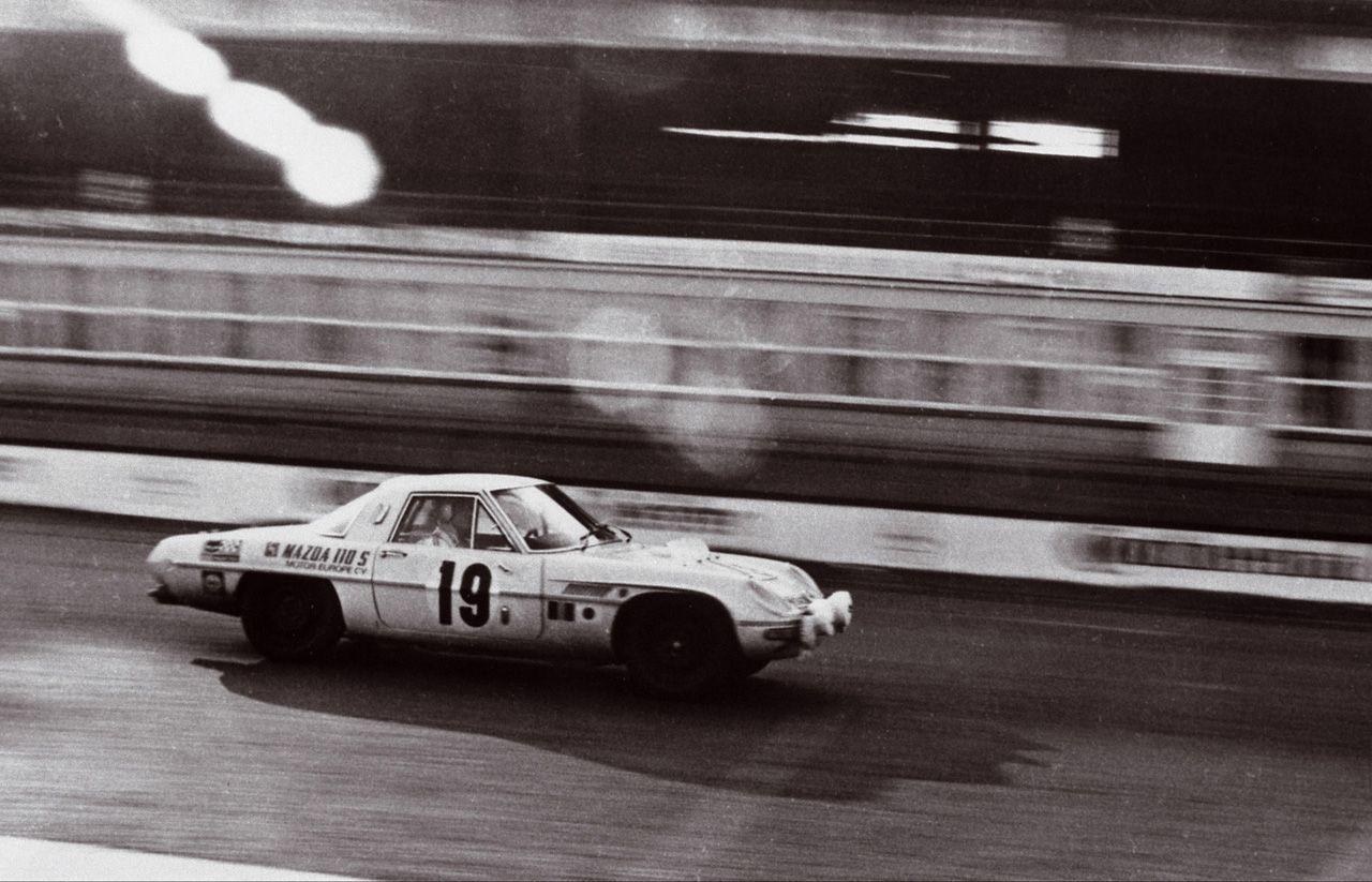 Mazda Cosmo Sport, 110S, wyścigi, racing, stary japoński sportowy samochód, kultowy, klasyk, oldschool, piękny design, zdjęcia, 日本車, スポーツカー, クラシックカー, マツダ