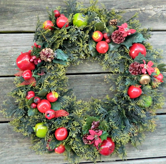 alt=&quot;Wreath makeover using Snow flocking&quot;