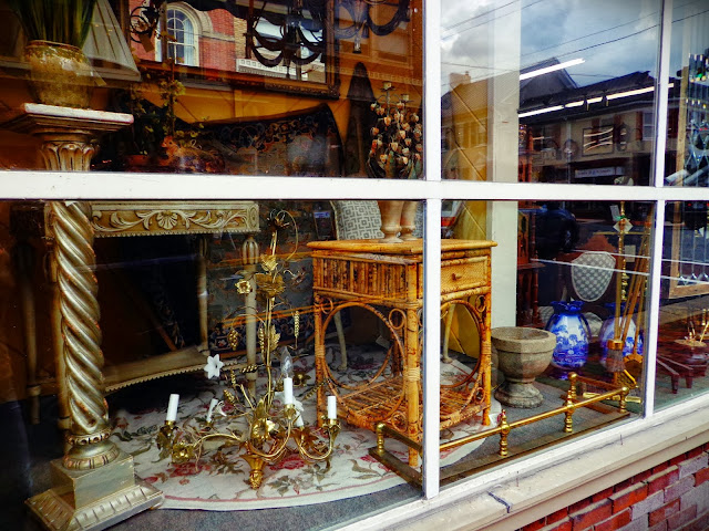 Antiques in Leesburg