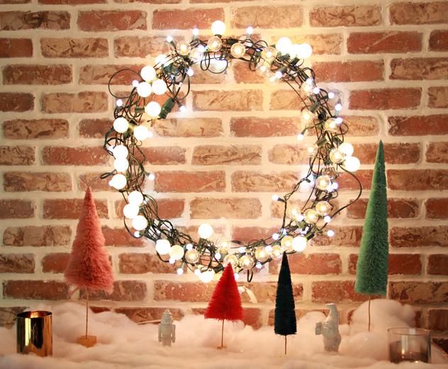 A Bubbly Life: DIY Light String Christmas Wreath