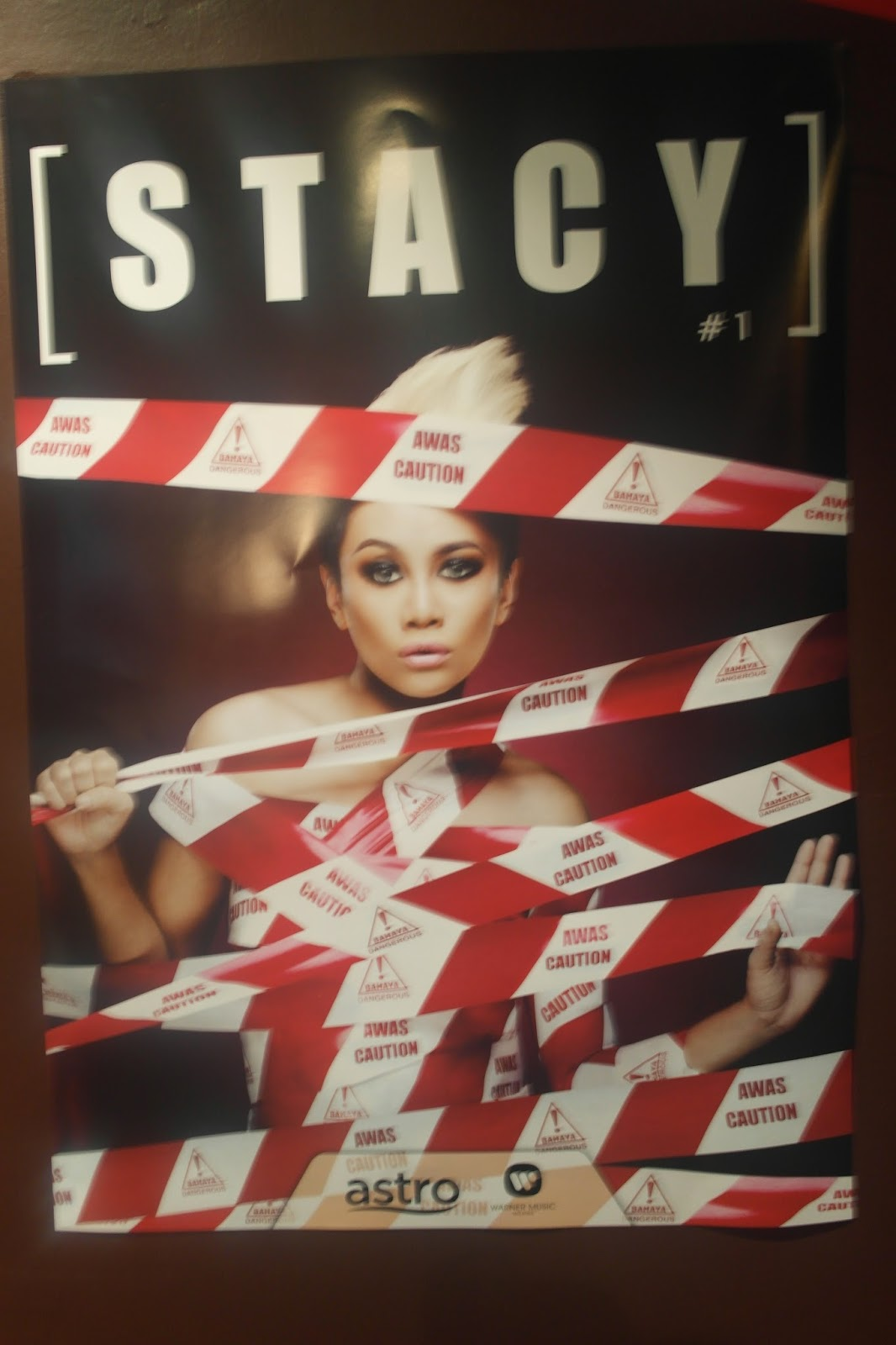 Kulit album Stacy 1
