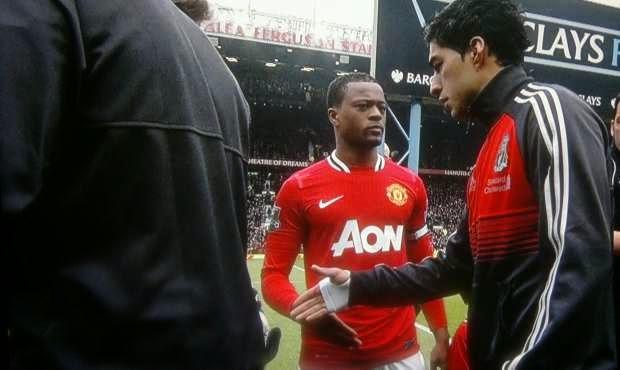 Suarez dan Evra source: http://kabarbola.com