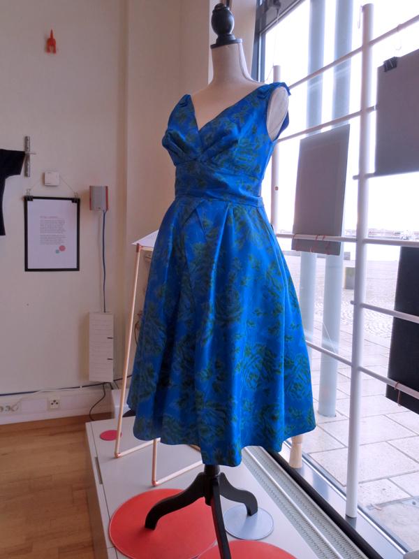 Det modiga modet 1950-talsklänning