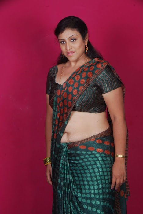 uma character artist in saree unseen pics