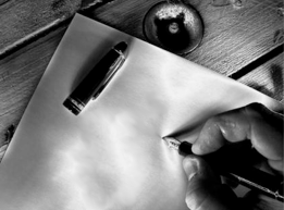 rééducation écriture feuille stylo-plume