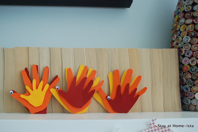 mulit-dimensional handprint turkeys for thanksgiving