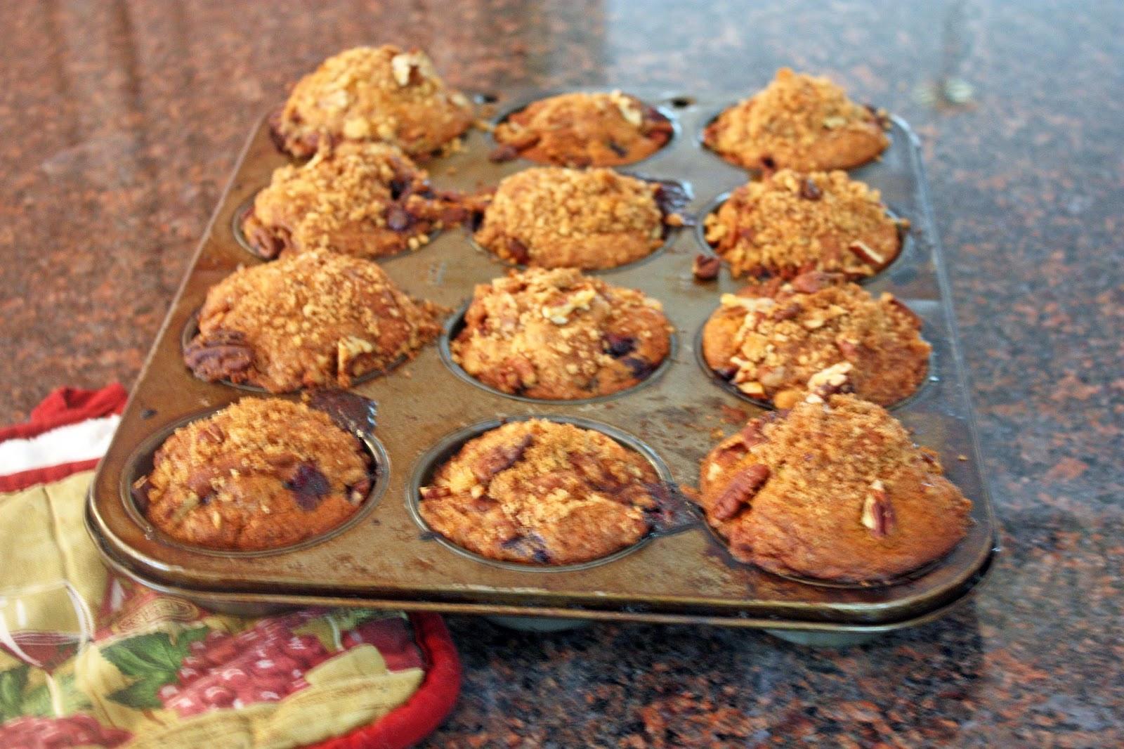 vegan blueberry streusel muffins