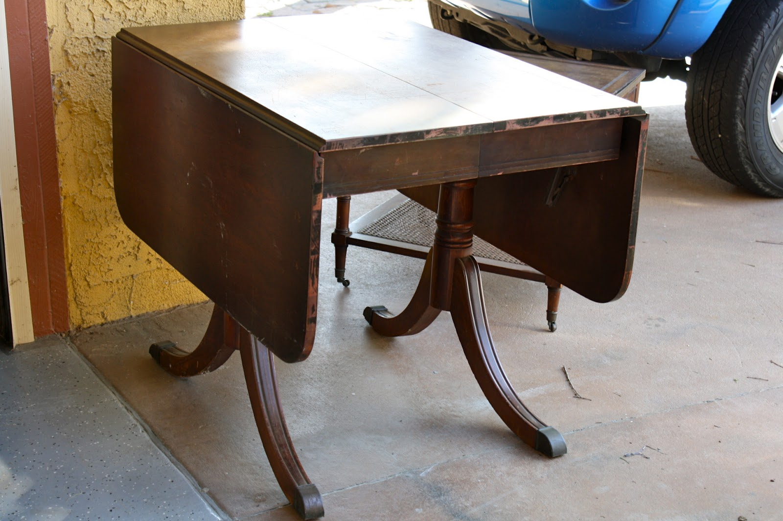 MakeMePrettyAgain My First Drop Leaf Table Restoration
