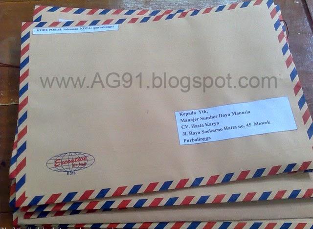 http://ag91.blogspot.com/2014/01/resmi-contoh-surat-lamaran-kerja-bank.html