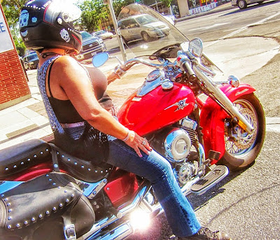 women-motorcycle-riders