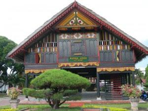 rumah adat aceh NAD rumah adat tradisional Rumoh aceh Gambar Rumah Adat Indonesia