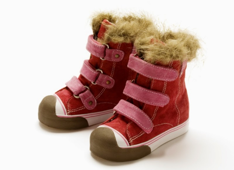 Sepatu boot untuk anak keren model baru