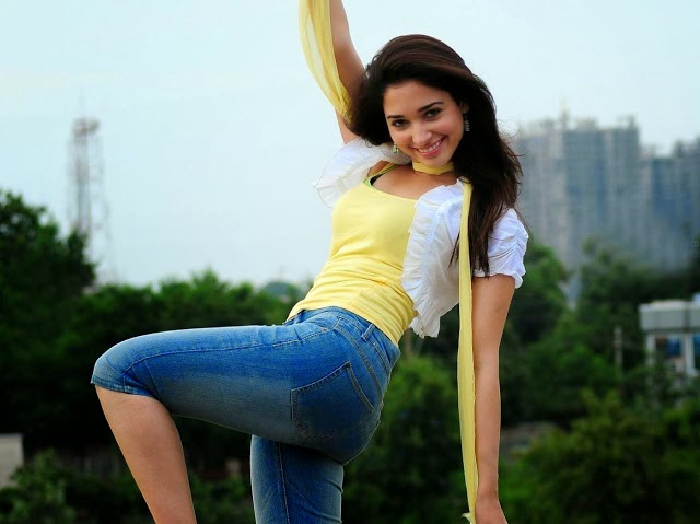 Tamanna Bhatia hot in blue jeans