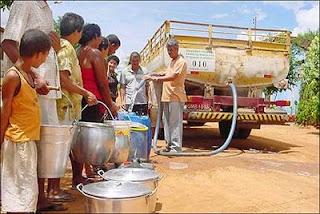 Só carros-pipa matam sede em cidades do Piauí