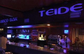 Bar El Teide, tapas y raciones de día y bar de copas de noche.
