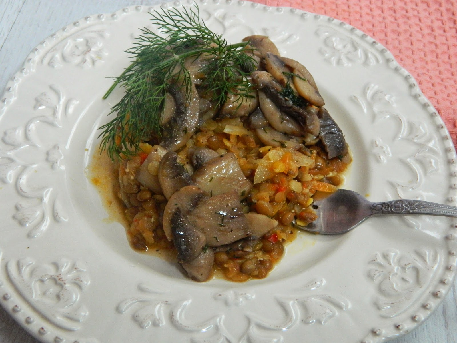 Mancare de linte cu ciuperci