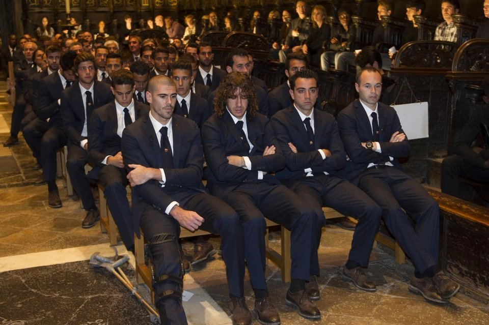 Capitanes del Barcelona en el funeral de Tito Vilanova