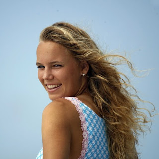 Caroline Wozniacki Tennis Player Imitates Serena Williams During Match By Stuffing Bra amp mp4