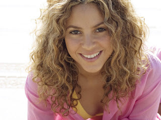 Shakira Smiling wallpaper