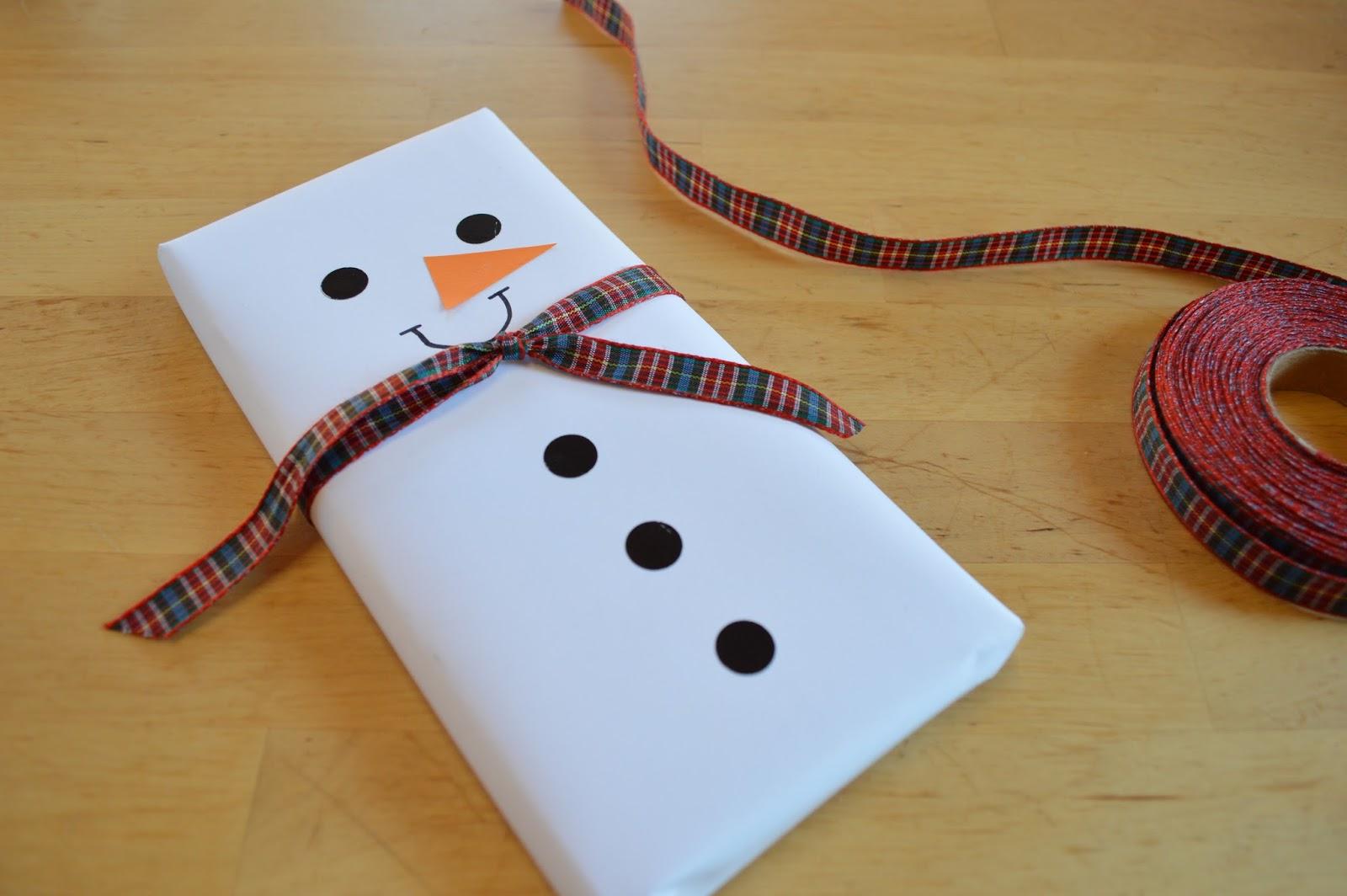 Tabletas de chocolate convertidas en mu ecos de nieve para - Algo original para regalar ...