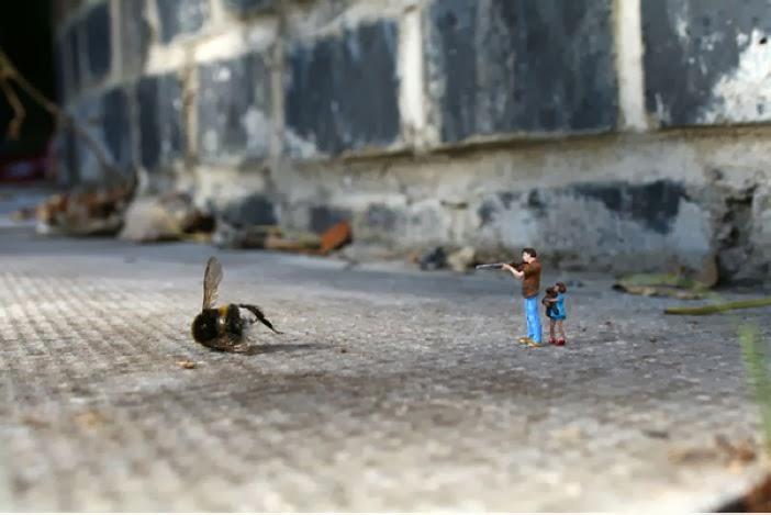 gambar miniatur orang