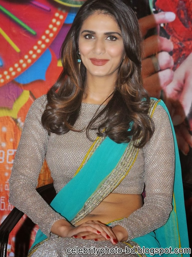 vaani+kapoor+hot+navel+photos+at+aaha+kalyanam+movie+press+meet002