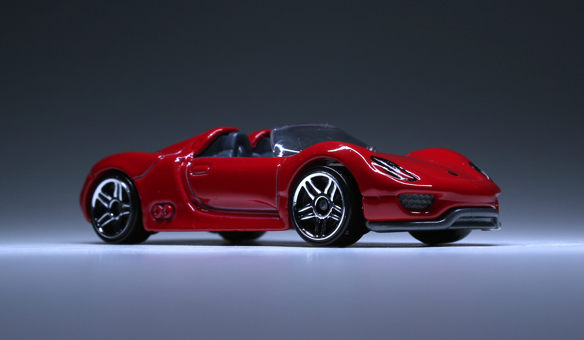porsche 918 spyder in red red porsche 918 spyder porsches. Black Bedroom Furniture Sets. Home Design Ideas