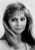 Beautiful Actress, Model, And Comedian Shelley Long Attempted Suicide
