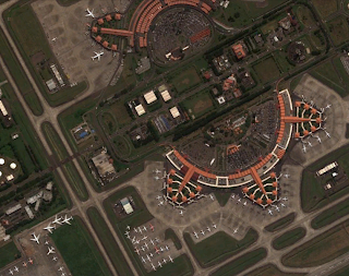 Dahlan Iskan : Membangun Maskapai dan Bandara Bintang 5
