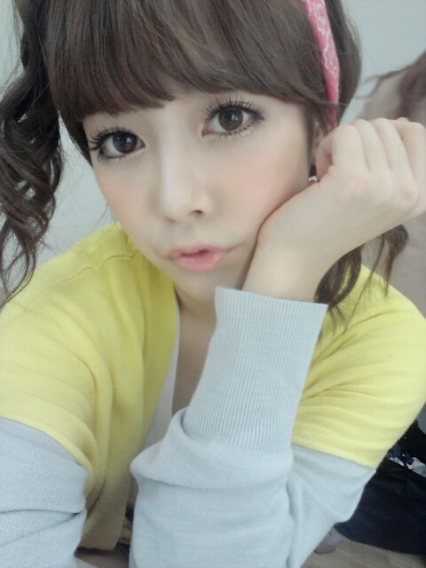 T-ara's Soyeon and her Doll-like Selcas | T-ara World