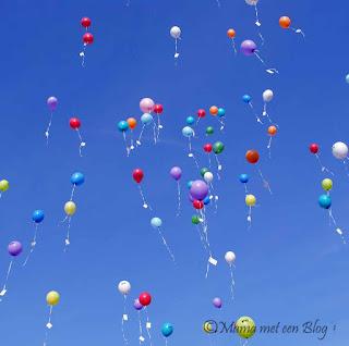 1 jaar bloggen, ballonnen, blauwe lucht