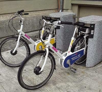 Cargar bicicleta eléctrica