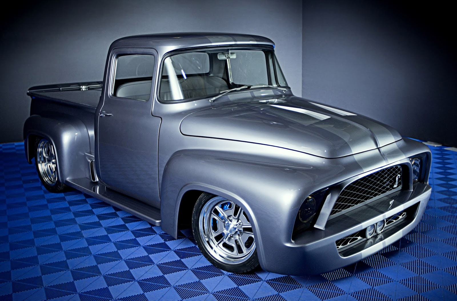 Overhaulin  S Ford Car