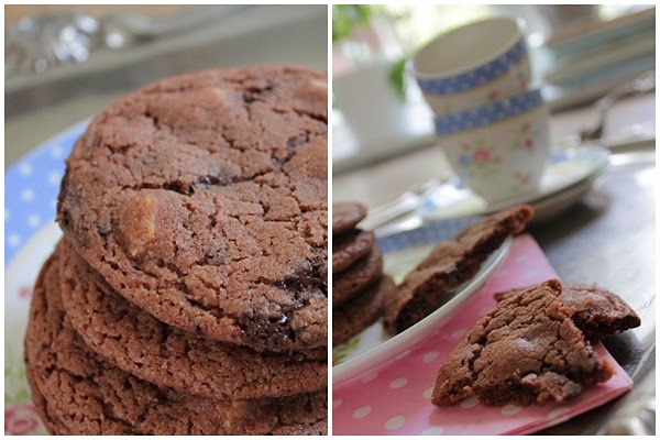 chokladkakor med chokladbitar