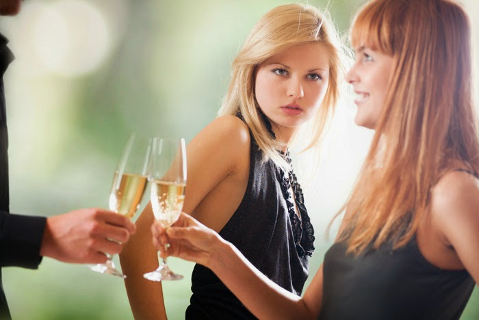 mulher inveja recalque recalcada invejosa mulheres