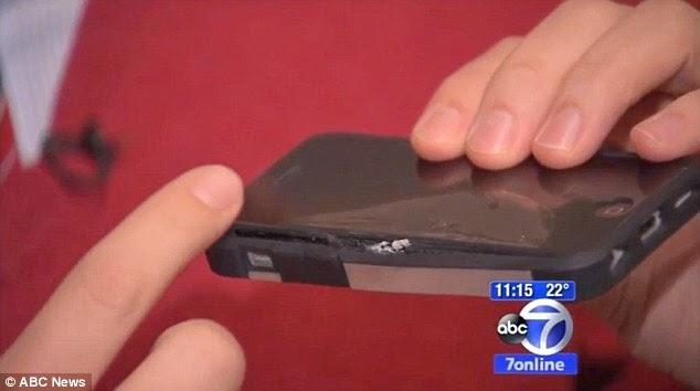 الأضرار الناتجة عن انفجار هاتف آيفون 5c