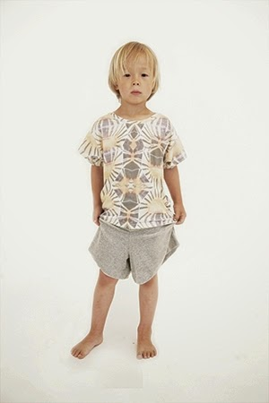 http://popupshop.net/product/kids/loose-short-sleeve-sweat-all-over-print-w-pocket.html