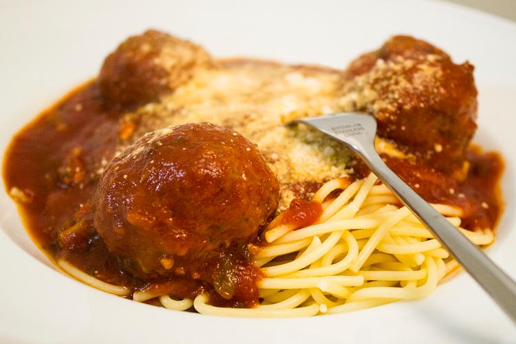 Cake & Coke: Mom's Spaghetti Sauce