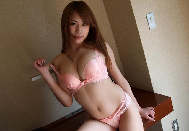 Itoshino Nami 愛乃なみ Photos 02