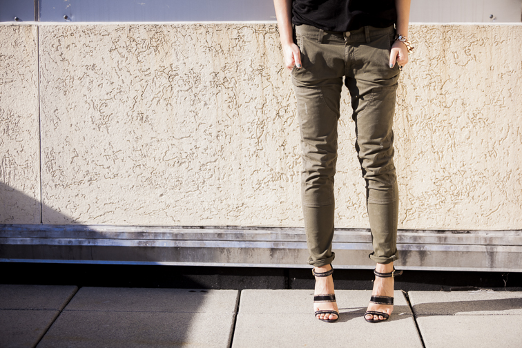 Rich & Skinny Dillon Utlity jeans burnt olive Jason Wu strappy Sandals