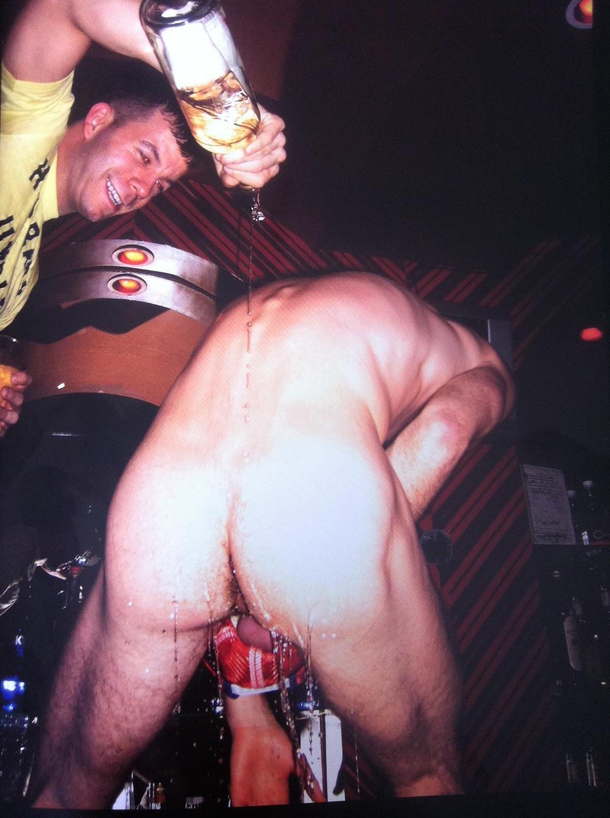 Inserciones Porno - Objetos grandes en coos pequeos