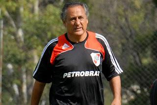 Técnico de River Plate le teme a la «B»