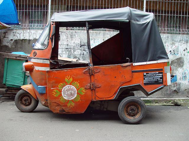 Gambar Bajaj Sebagai Kendaraan Umum