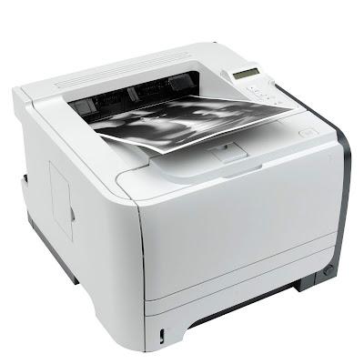 Принтер с прямым пробегом бумаги
