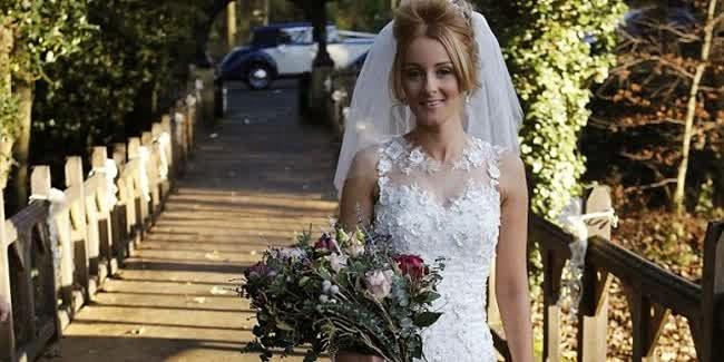 Demi moment terindah wanita ini menjahit sendiri gaun pengantinya