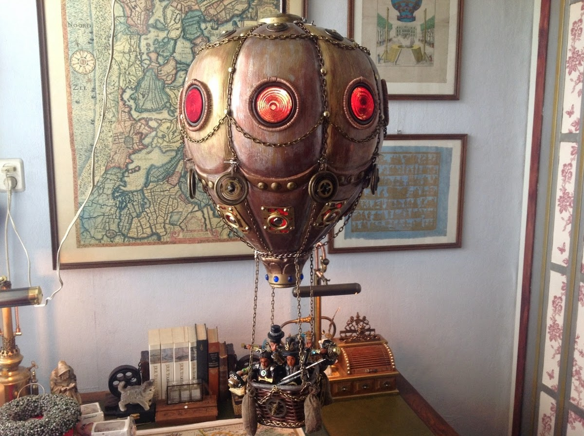 06-Van Halen Co-Steampunk Sculptures Wonderland-www-designstack-co
