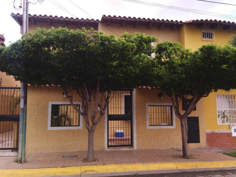 Casa en venta en barcelona el ingenio c digo flex 14 8323 inmuebles en barcelona compra - Duplex en ingenio ...