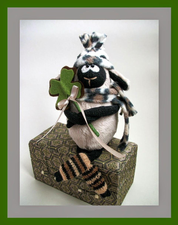 игрушка ручной работы овечка