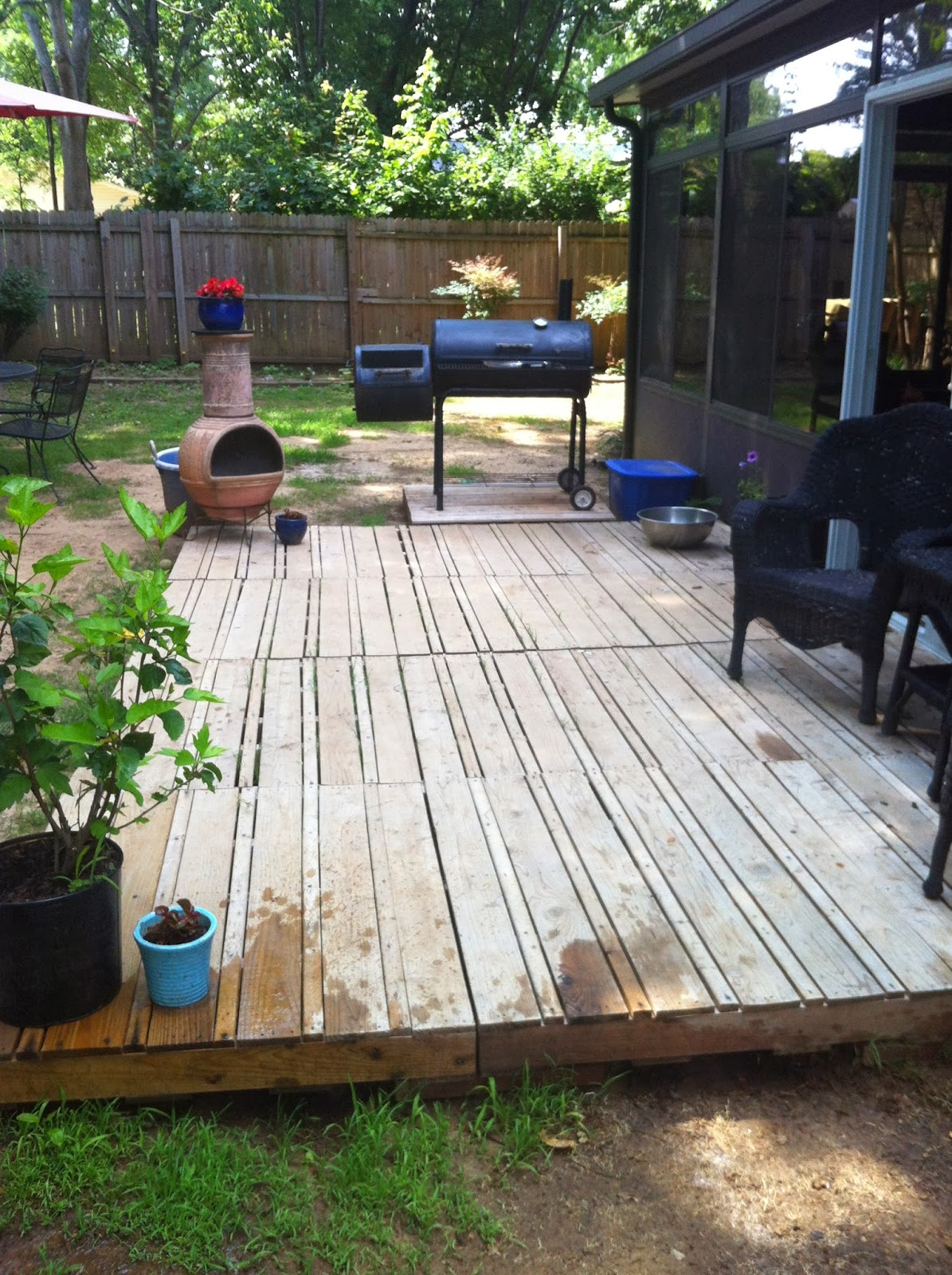 The Crafty Life Pallet Deck